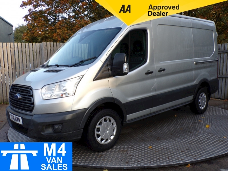 Transit Trend 350 MWB Panel Van 2.2 Manual Diesel