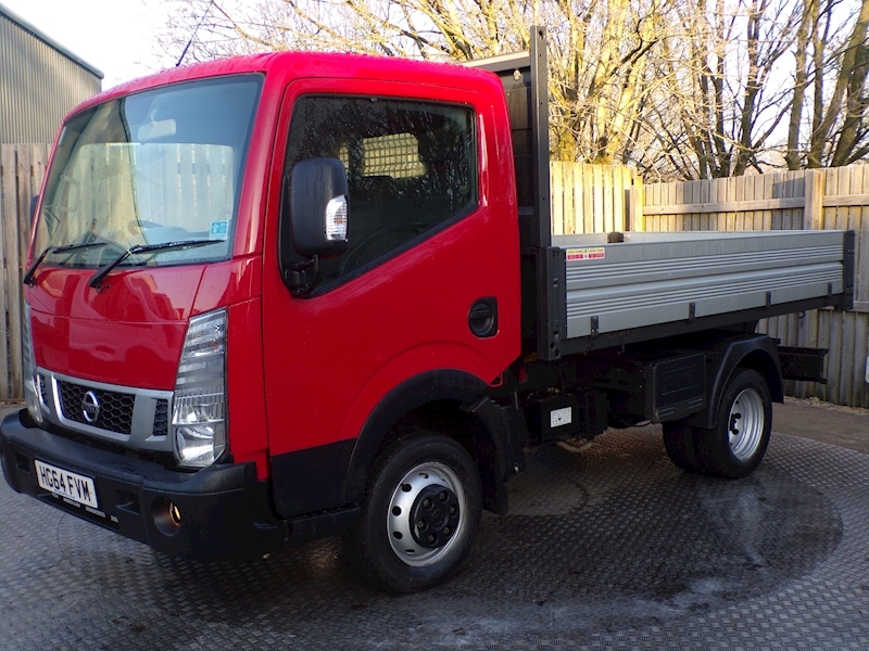 Nissan NT400 Cabstar 35.14 DCi SWB Tipper 10FT 1