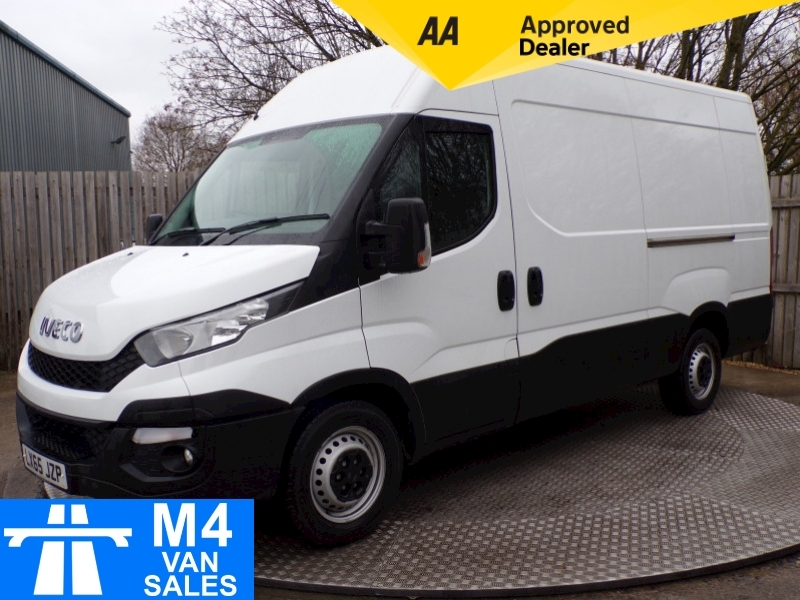 Iveco Daily 35S17 3.0 MWB High Roof Auto Image 1