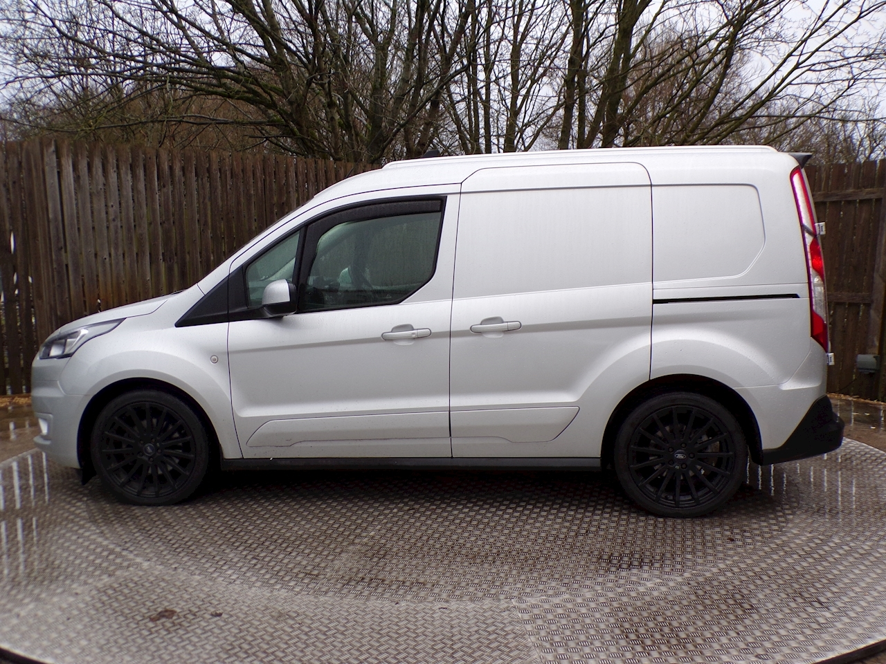 Ford Transit Connect Limited 6 Seats A/C Auto NEW SHAPE