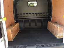 Ford Transit Custom Crew Van SWB Ltd Euro 6 - Thumb 13