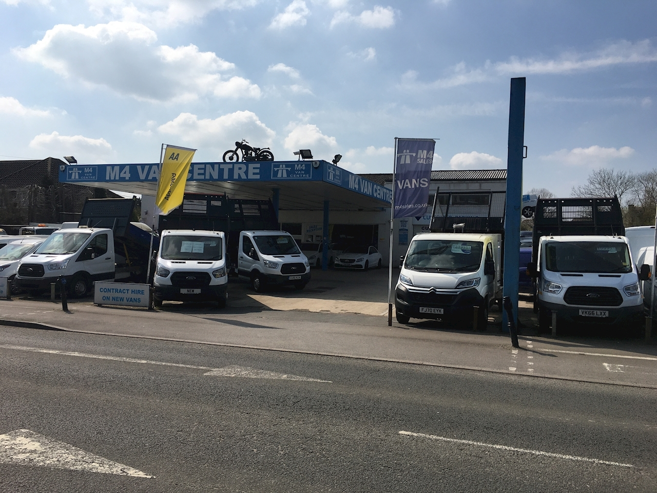 Ford Transit 350 Single Cab 1 Stop Tipper 10FT 6