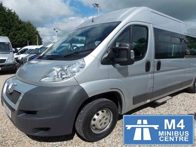 Peugeot Boxer 335hdi, 9 Seat Wheelchair Access Minibus Image 1