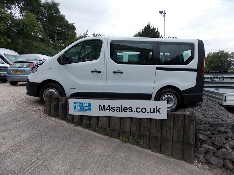 Renault Trafic Sl27 Business Dci 9 Seater Image 1
