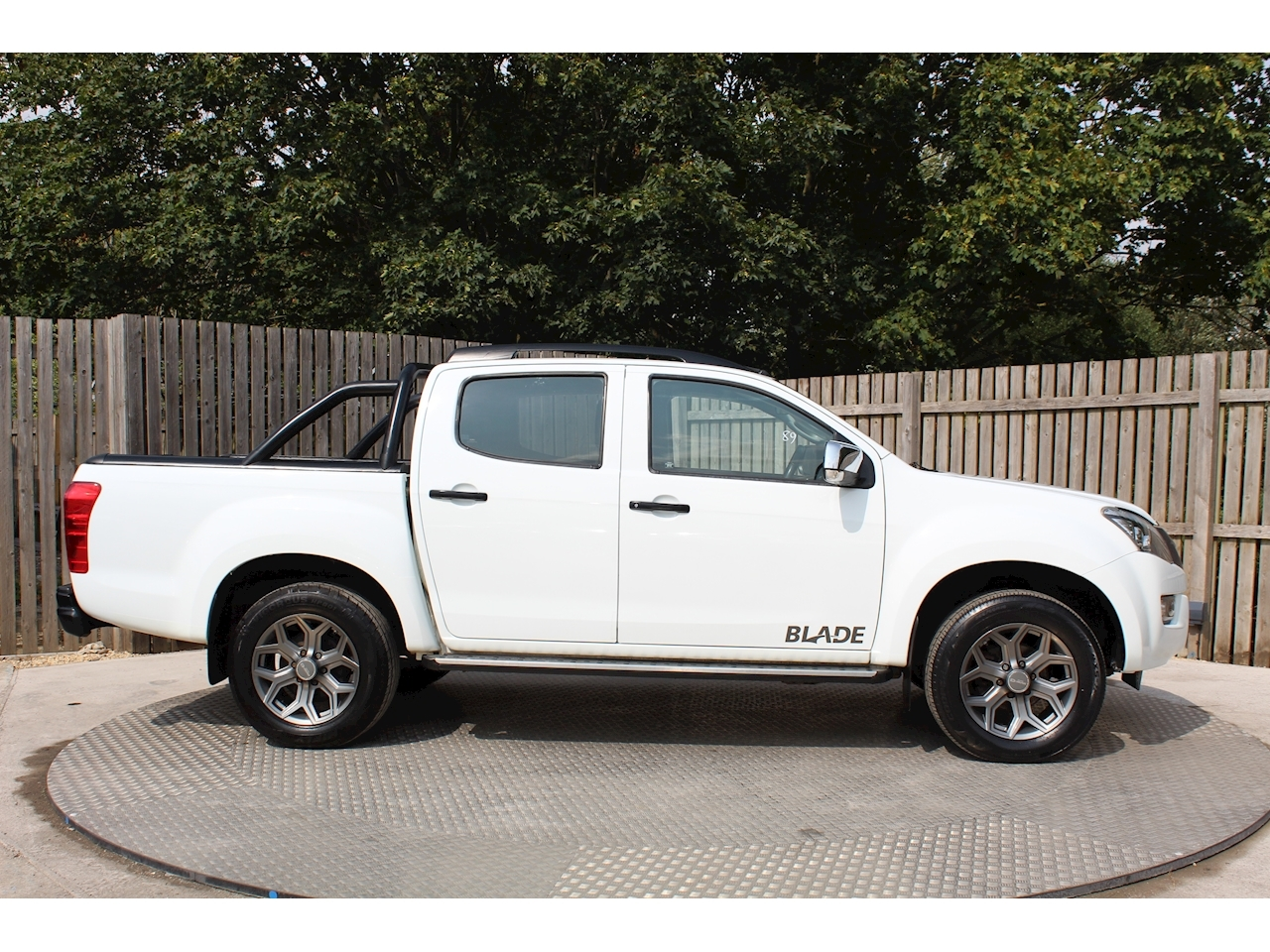 Isuzu D-Max D/C Pick Up Td Blade