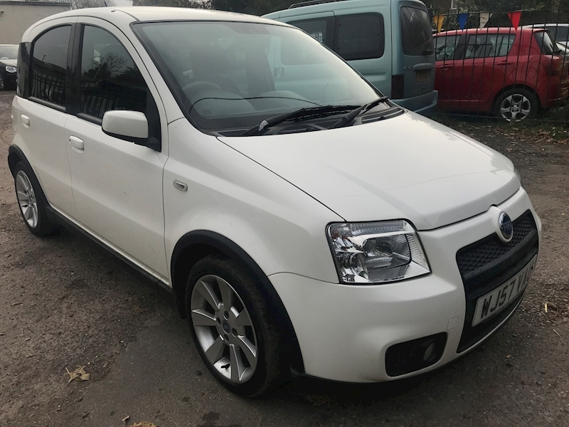 Panda 100Hp Hatchback 1.4 Manual Petrol