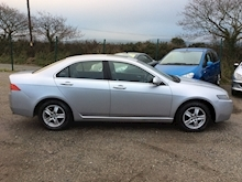 Honda Accord Vtec Executive Saloon 2.0 Manual Petrol - Thumb 4