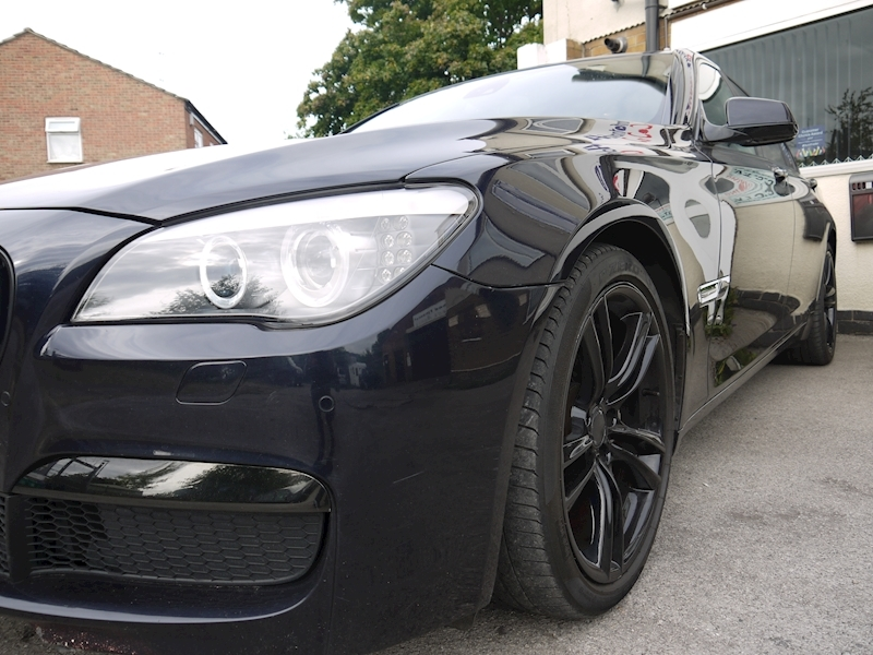 Bmw 7 Series 740D M Sport Luxury Edition - Large 4