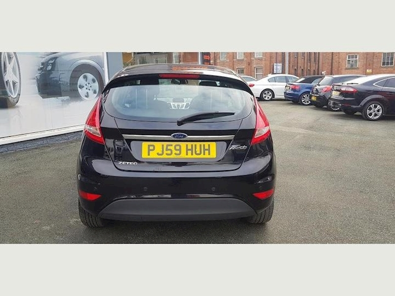 Ford Fiesta Zetec - Large 6