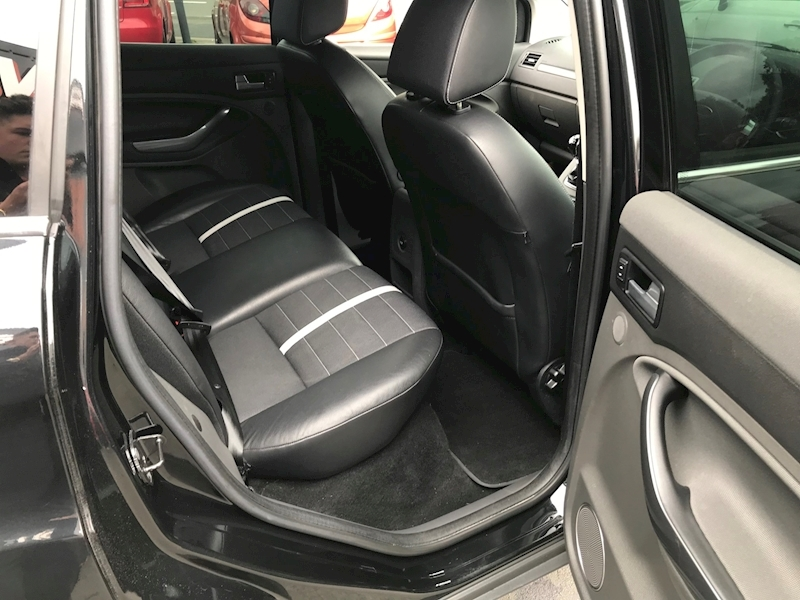 Ford Kuga Titanium - Large 23