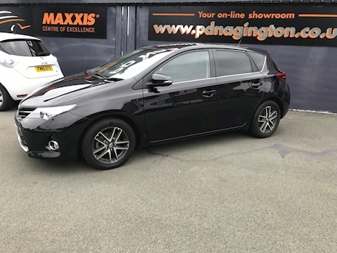 Auris D-4D Icon Plus Hatchback 1.4 Manual Diesel
