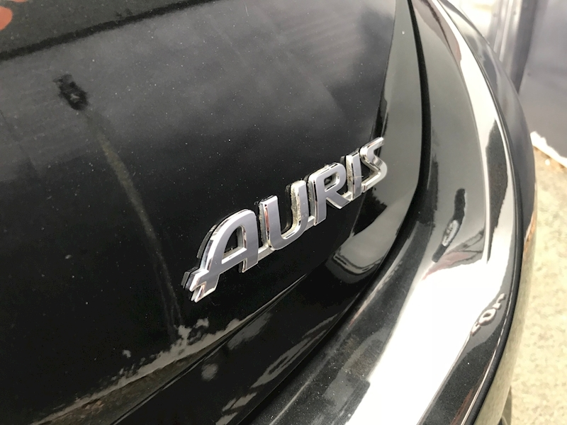 Toyota Auris D-4D Icon Plus - Large 6