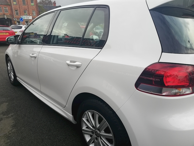 Volkswagen Golf Golf S Bluemotion Tdi - Large 6