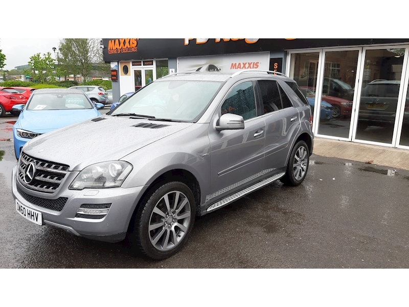 Mercedes-Benz M-Class Ml300 Cdi Blueefficiency Grand Edition - Large 3
