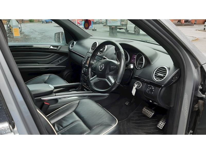 Mercedes-Benz M-Class Ml300 Cdi Blueefficiency Grand Edition - Large 6