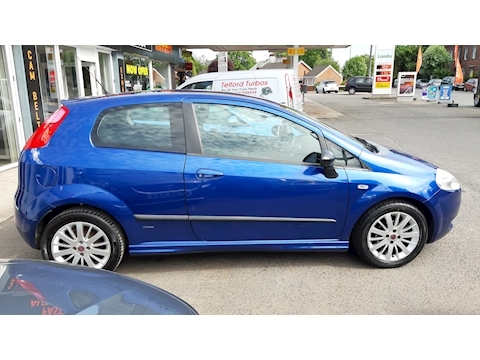 Grande Punto 16V Dynamic Sport Hatchback 1.4 Manual Petrol
