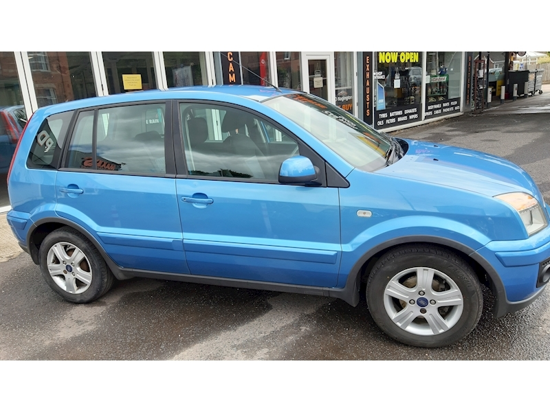 Ford Fusion Zetec - Large 2