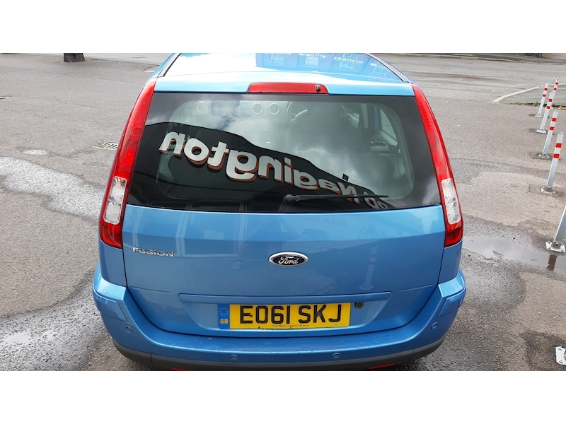 Ford Fusion Zetec - Large 5