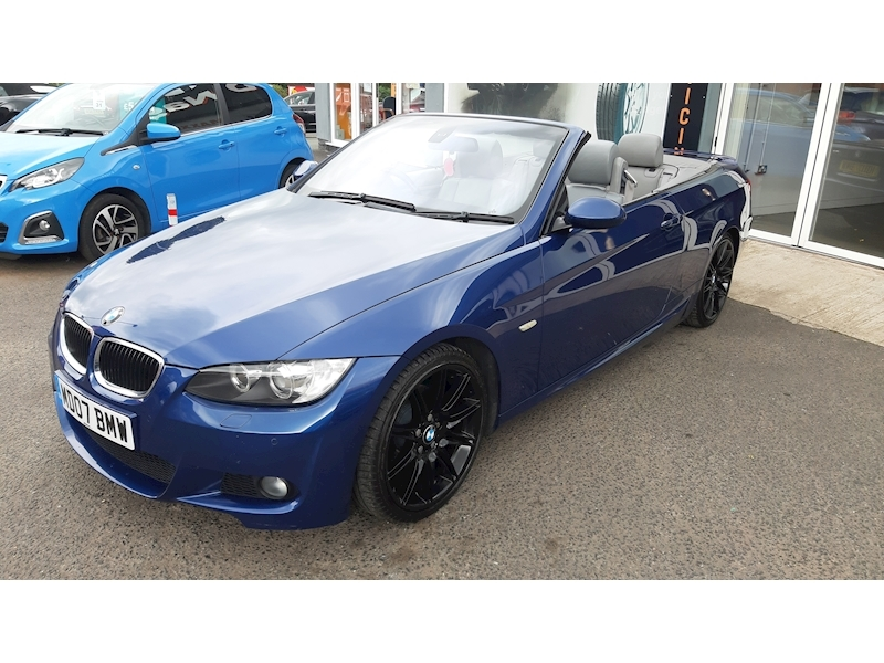 BMW 3 Series 320i M Sport Convertible - Large 5