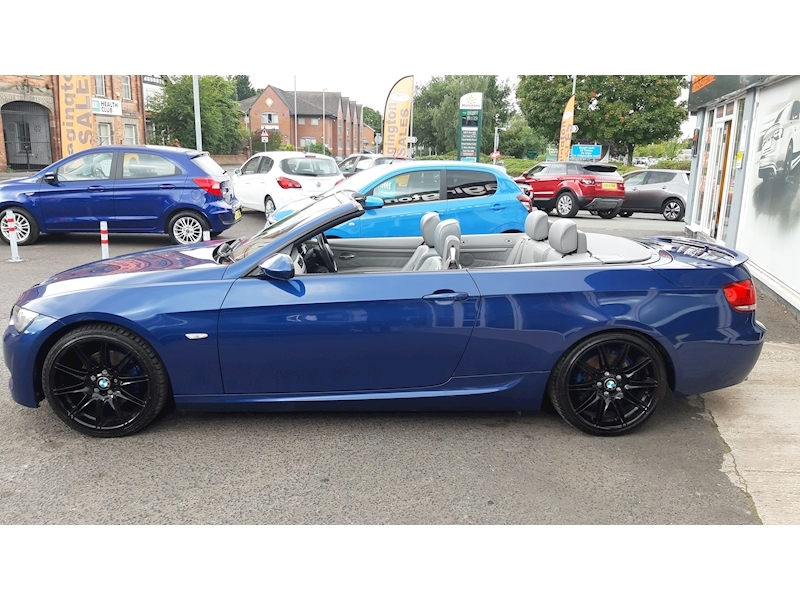 BMW 3 Series 320i M Sport Convertible - Large 7