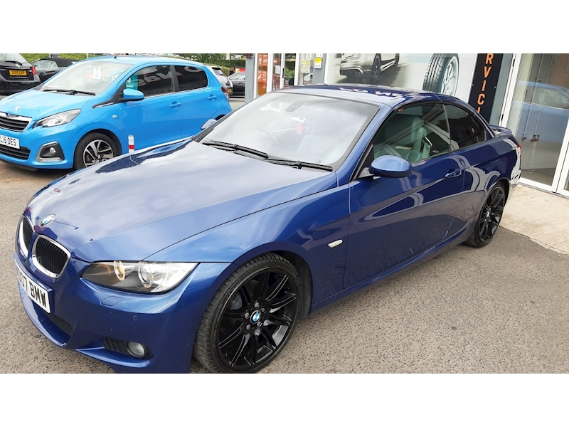 BMW 3 Series 320i M Sport Convertible - Large 6
