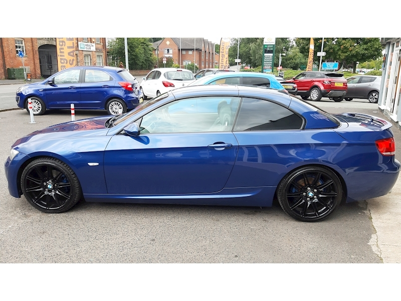 BMW 3 Series 320i M Sport Convertible - Large 8