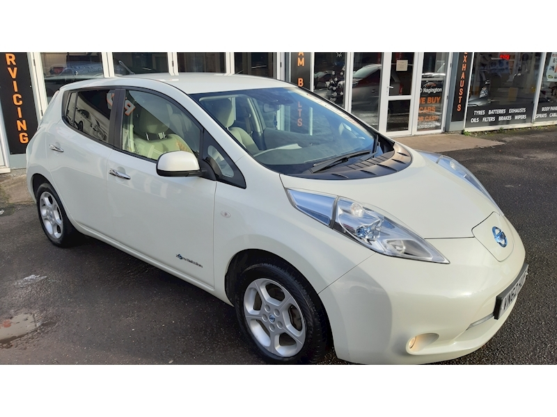 Nissan Leaf (24kWh) Hatchback 5dr Electric Automatic (107 bhp) - Large 1