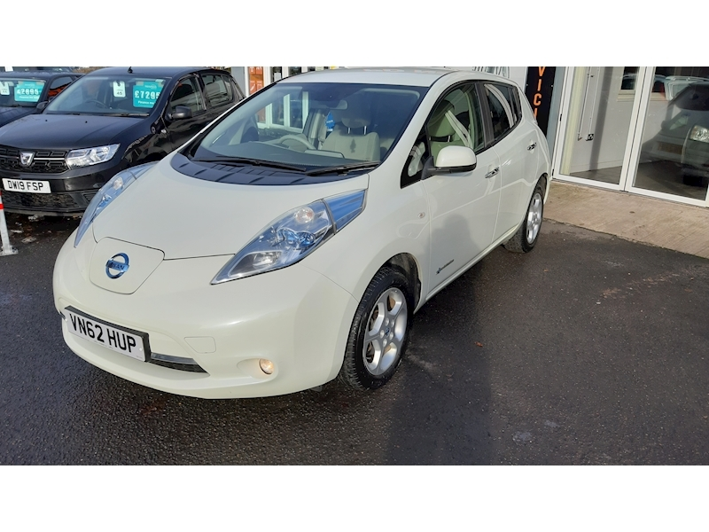 Nissan Leaf (24kWh) Hatchback 5dr Electric Automatic (107 bhp) - Large 3
