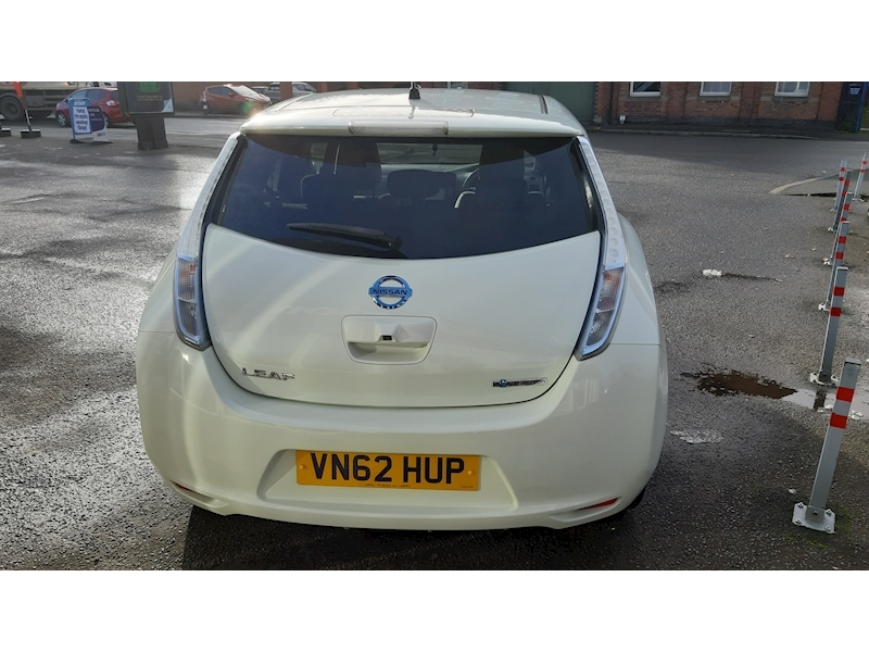 Nissan Leaf (24kWh) Hatchback 5dr Electric Automatic (107 bhp) - Large 5