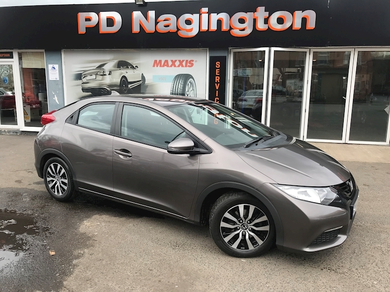 Honda Civic I-Dtec Se - Large 0