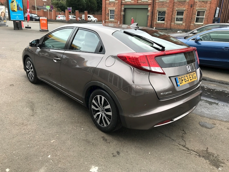 Honda Civic I-Dtec Se - Large 4