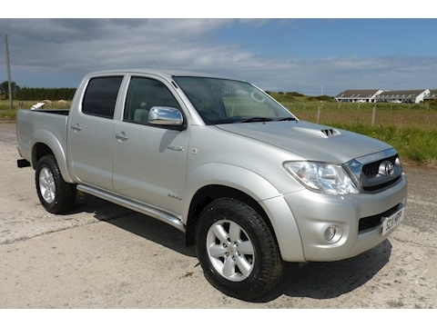 Hilux Invincible 4X4 D-4D Dcb Light 4X4 Utility 3.0 Manual Diesel