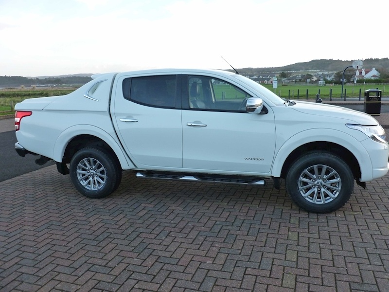 L200 Di-D 4X4 Warrior Dcb Pick-Up 2.4 Manual Diesel