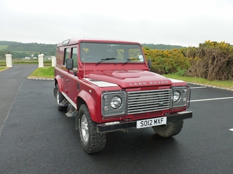 Defender 110 Td County Utility Wagon Light 4X4 Utility 2.2 Manual Diesel