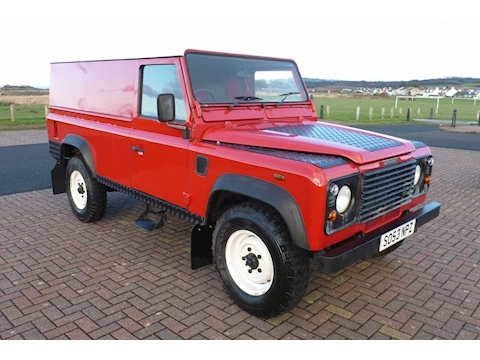 Defender 110 DEFENDER 110 TD5 Light 4X4 Utility 2.5 Manual Diesel
