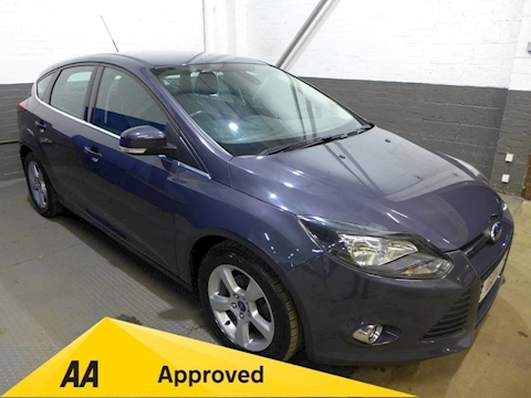Ford Focus Zetec Navigator 1.6 5dr Hatchback Manual Petrol