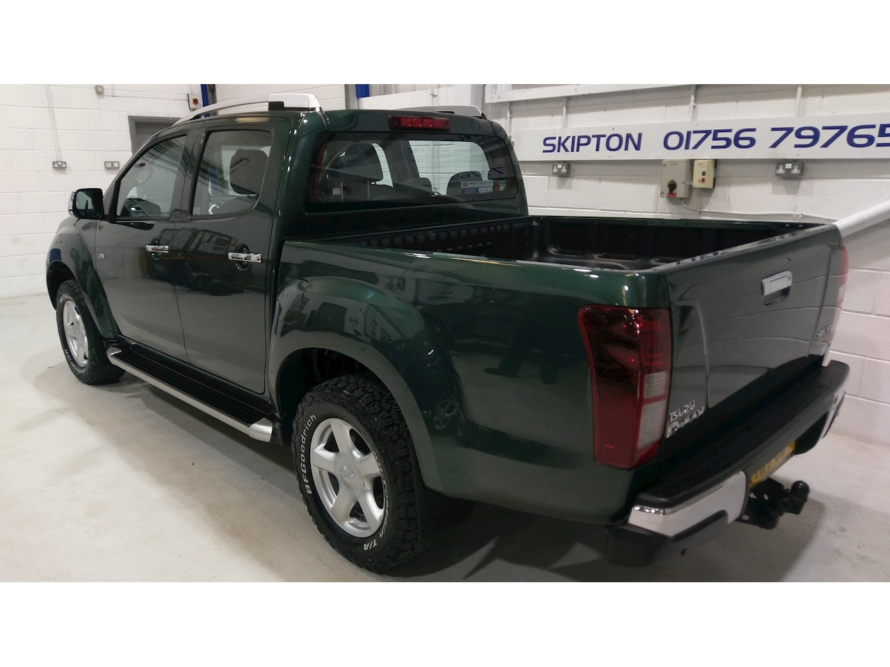 Isuzu D-Max Td Utah Dcb Pick-Up 2.5 Automatic Diesel