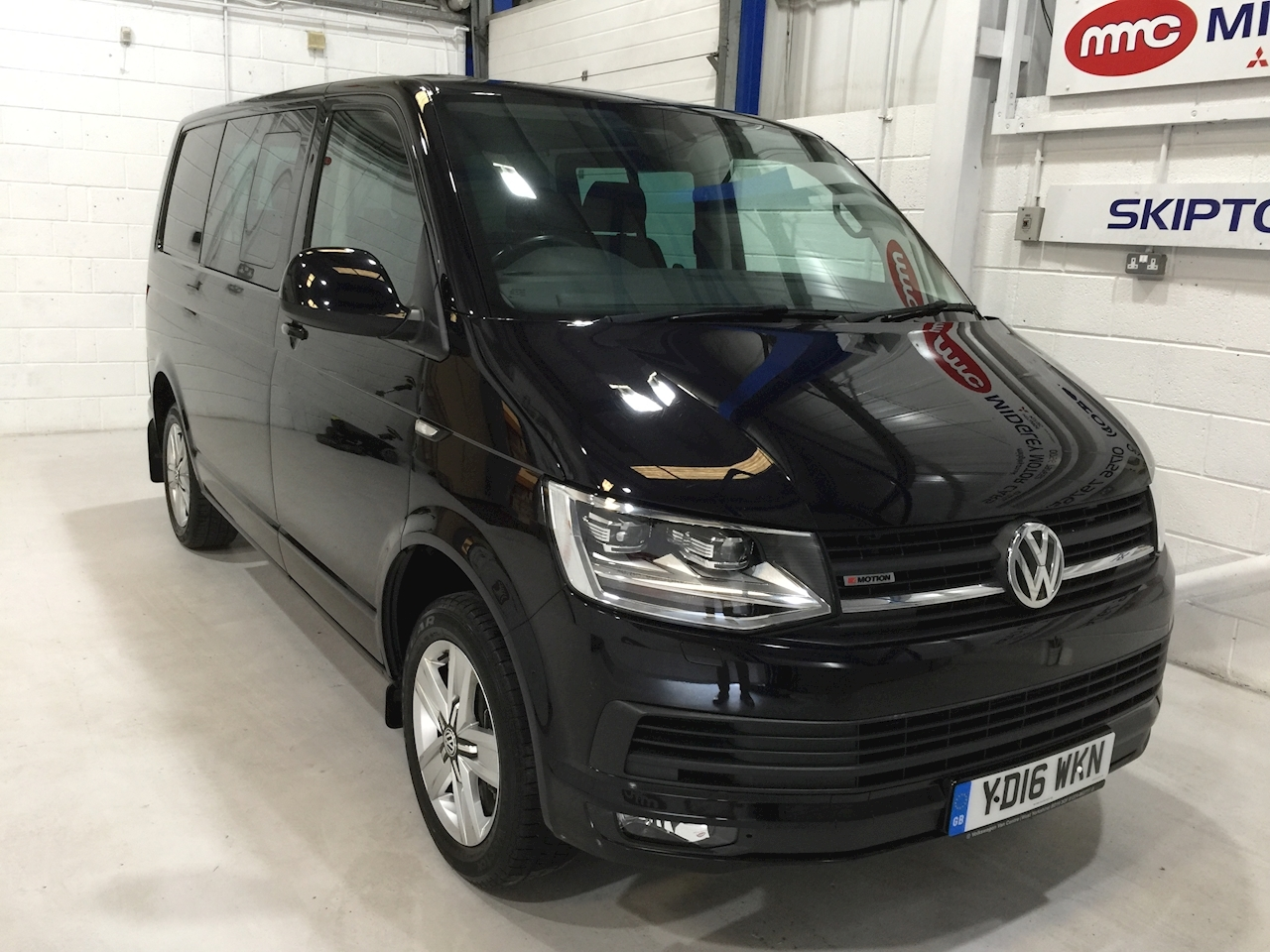 Volkswagen Transporter T32 Tdi Kombi Highline 4Motion Bmt Van With Side Windows 2.0 Semi Auto Diesel