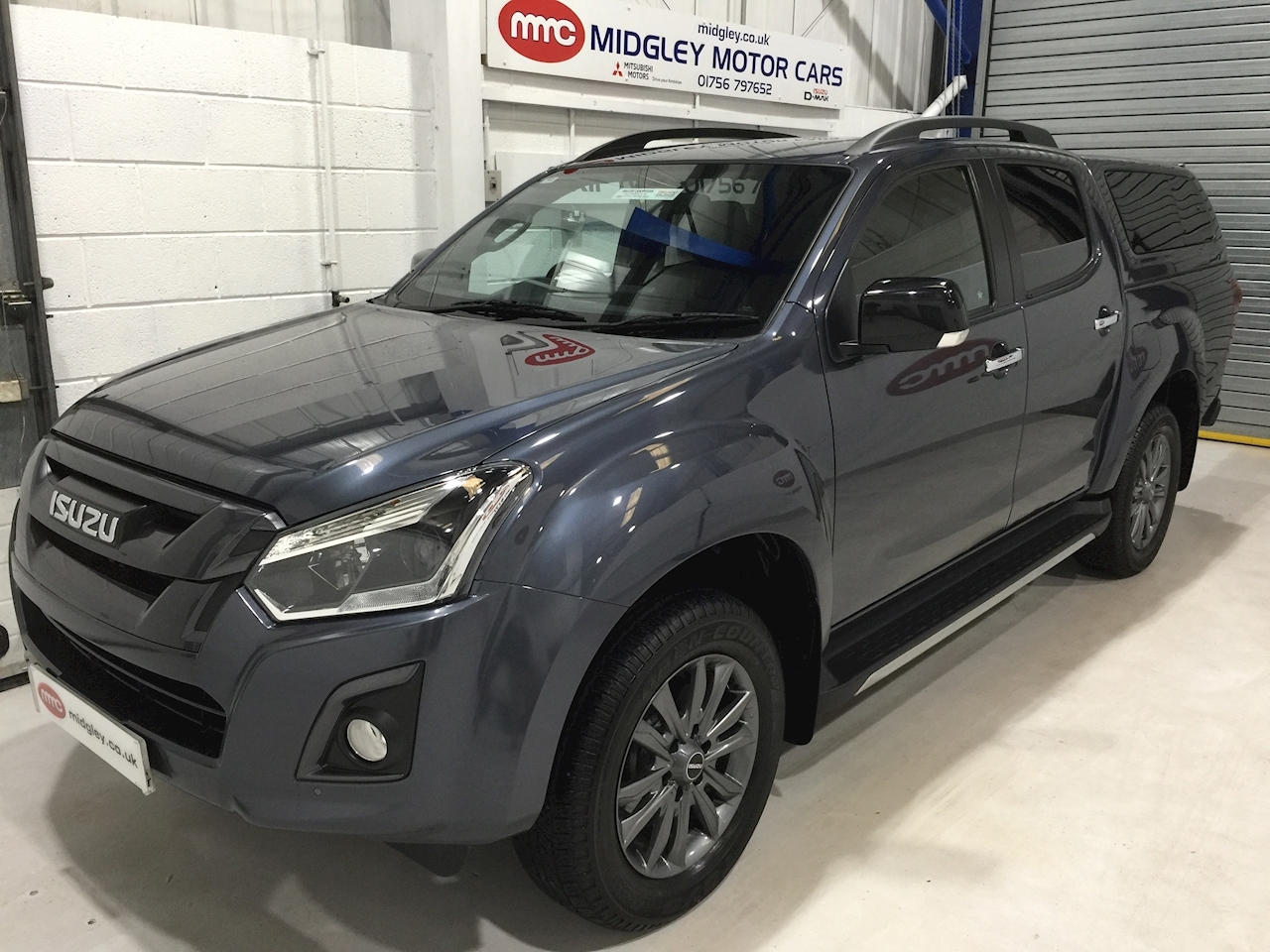 Isuzu D-Max Blade Dcb Pick Up 1.9 Automatic Diesel