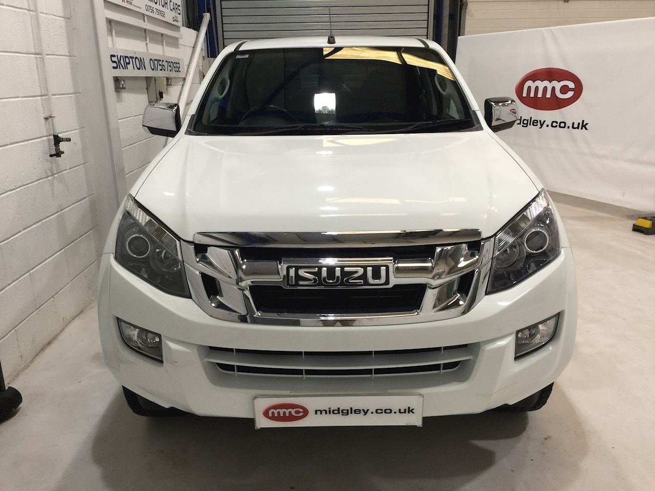 Isuzu D-Max Yukon Double Cab Pickup 2.5 Manual Diesel
