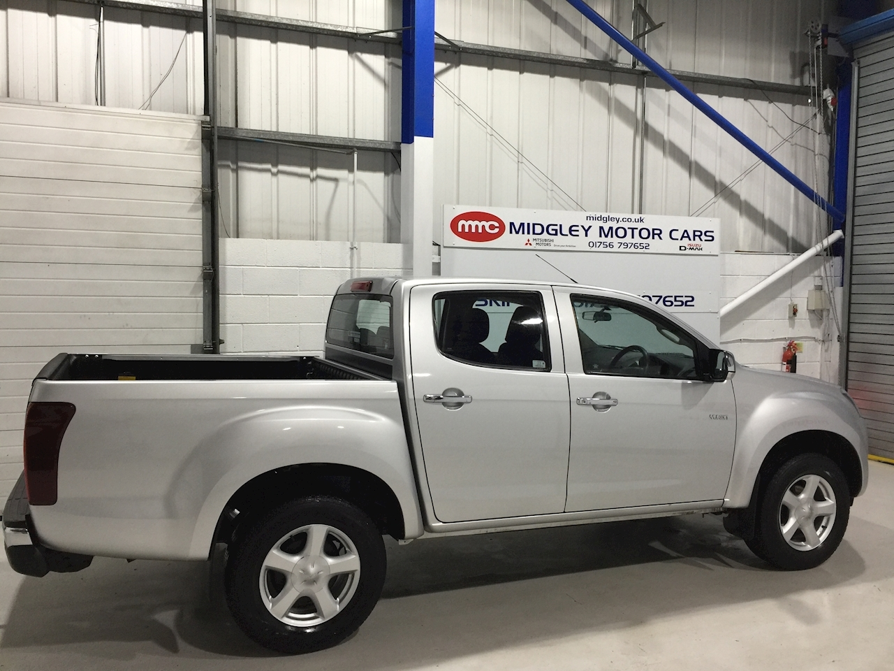 Isuzu D-Max Td Yukon Dcb Pick Up 2.5 Manual Diesel