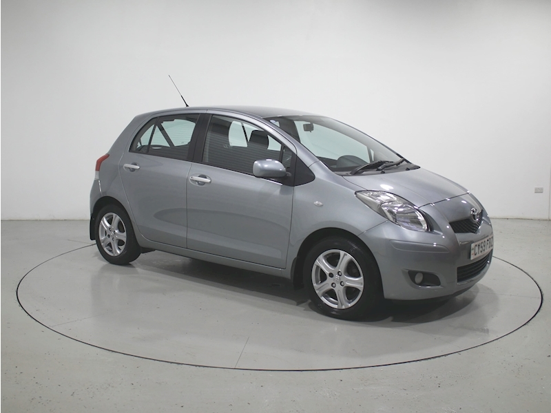 Yaris Tr YARIS TR VVT-I Hatchback 1.3 Manual Petrol