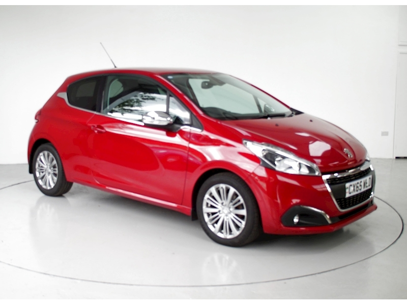 Peugeot 208 Blue Hdi S/S Allure Image 1