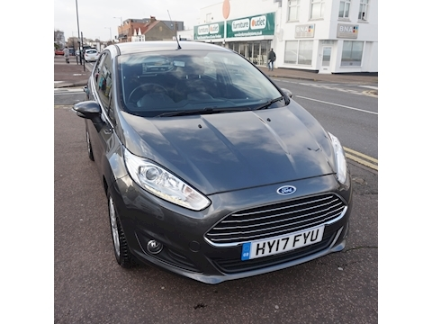 Ford Fiesta Zetec Hatchback 1.0 Manual Petrol