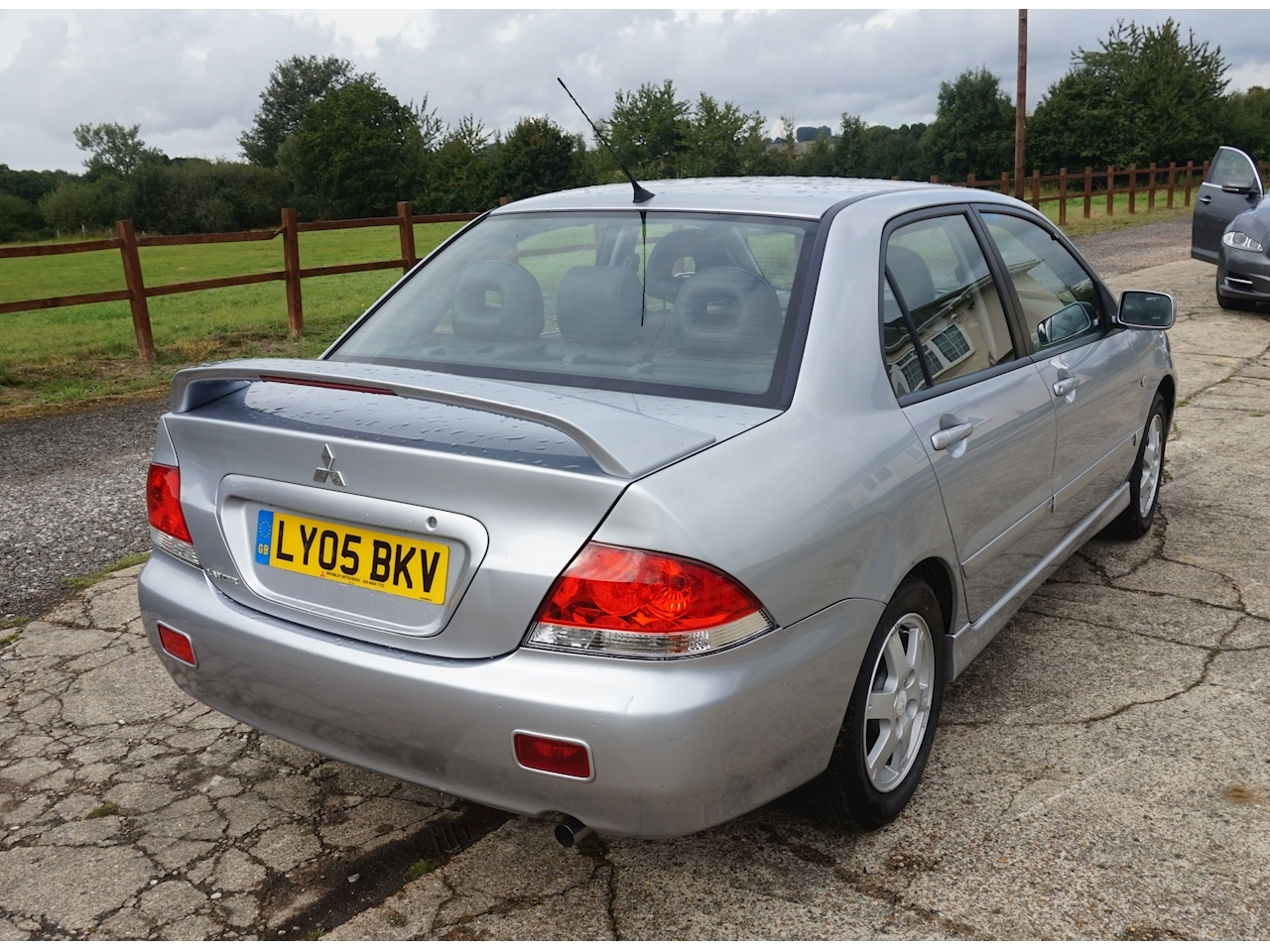 Lancer Elegance Saloon 1.6 Manual Petrol