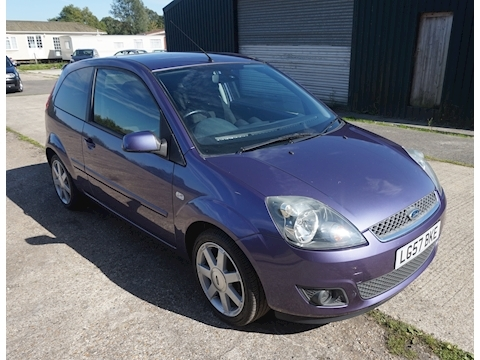 Ford Fiesta Zetec Climate 16V Hatchback 1.4 Manual Petrol
