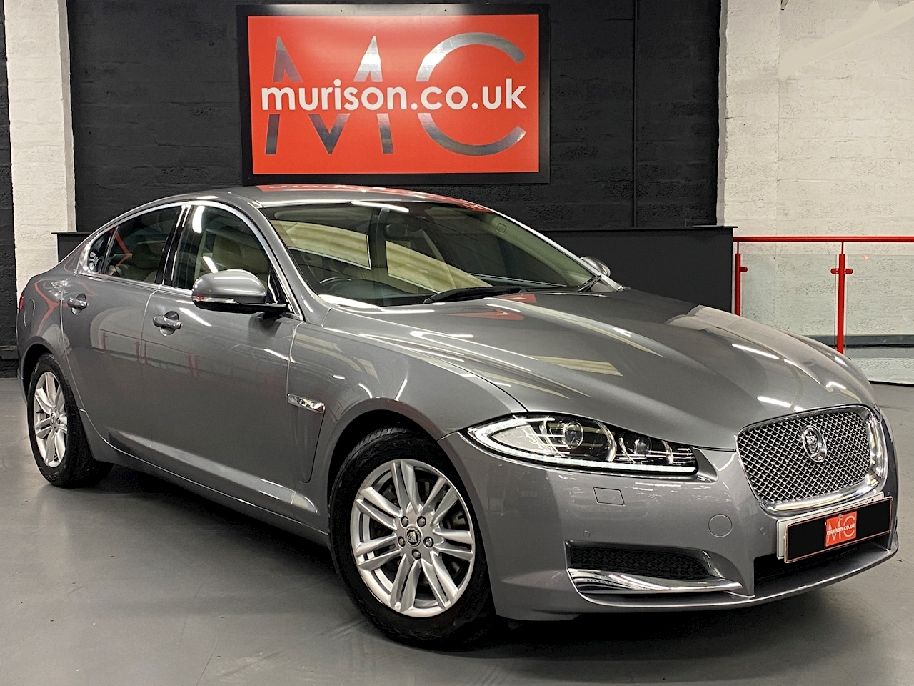 Xf Luxury 2.2d (200) Auto 2.2 4dr Saloon Automatic Diesel