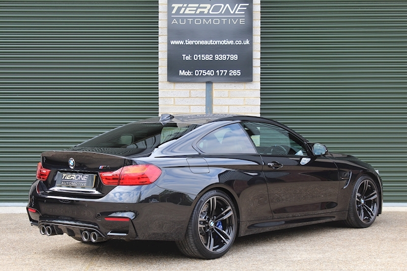 BMW M4 COMPETITION PACK - Large 1