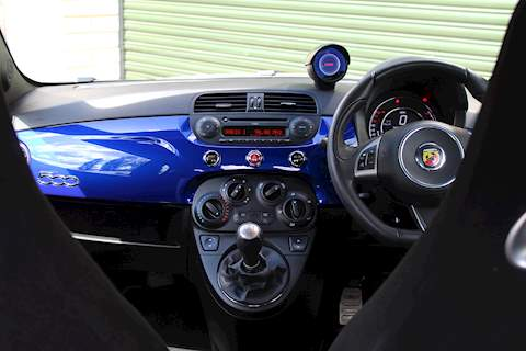 Abarth 595 YAMAHA FACTORY RACING - Large 10