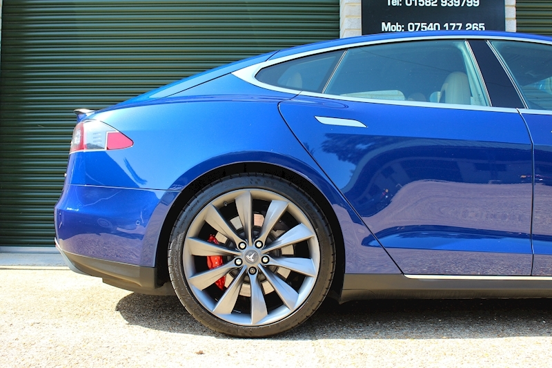 Tesla Model S P90d AWD - Large 24